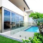 Avanti Glass: Frameless Glass Pool Fence